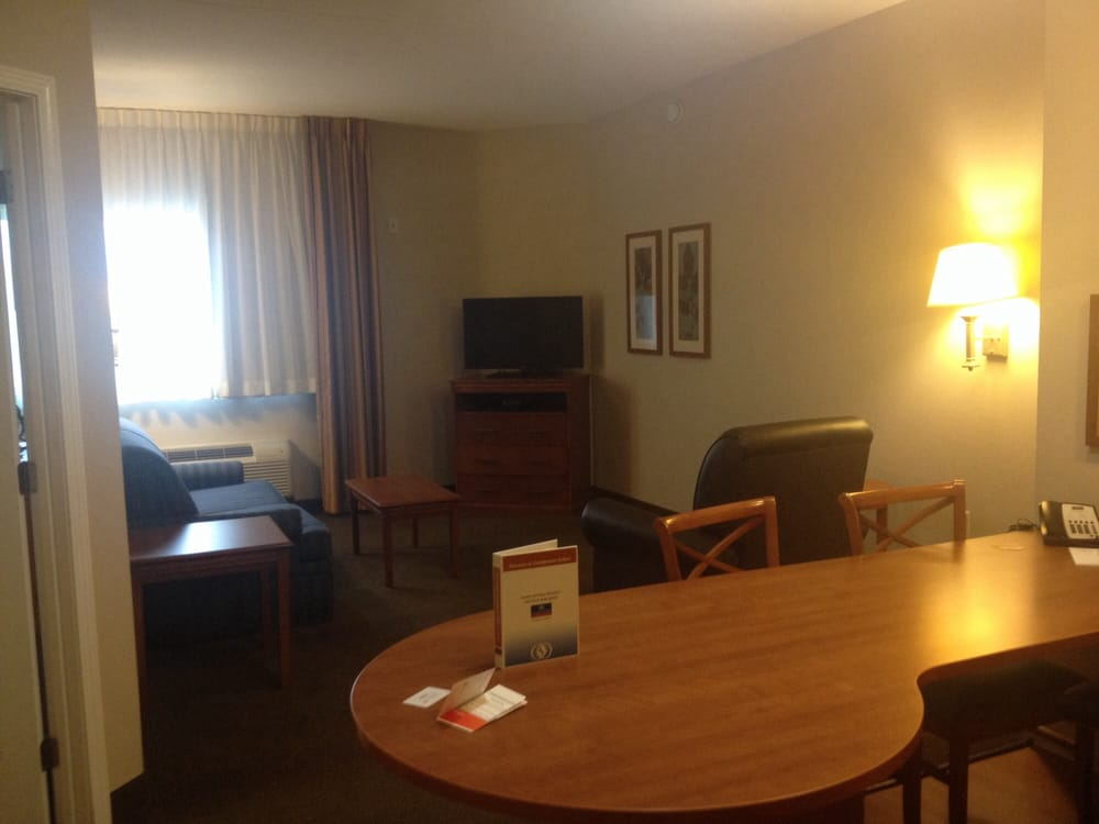 Candlewood Suites Murfreesboro: 850 N Thompson Ln, Murfreesboro, TN