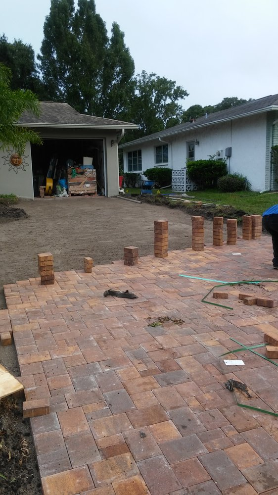 Hunter's Landscaping & Lawn Maintenance: 522 S Glenwood Ave, Clearwater, FL