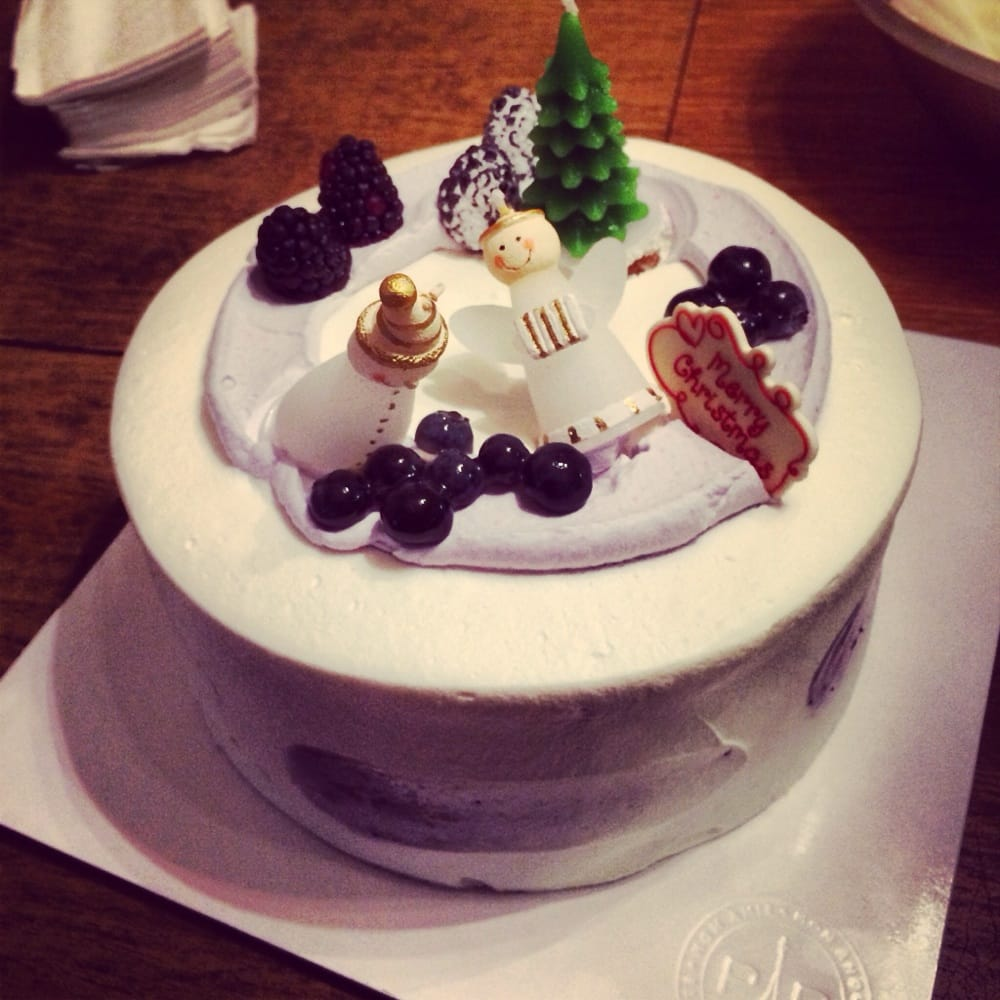 paris baguette cake decorated blueberry chiffon cake yelp 6378