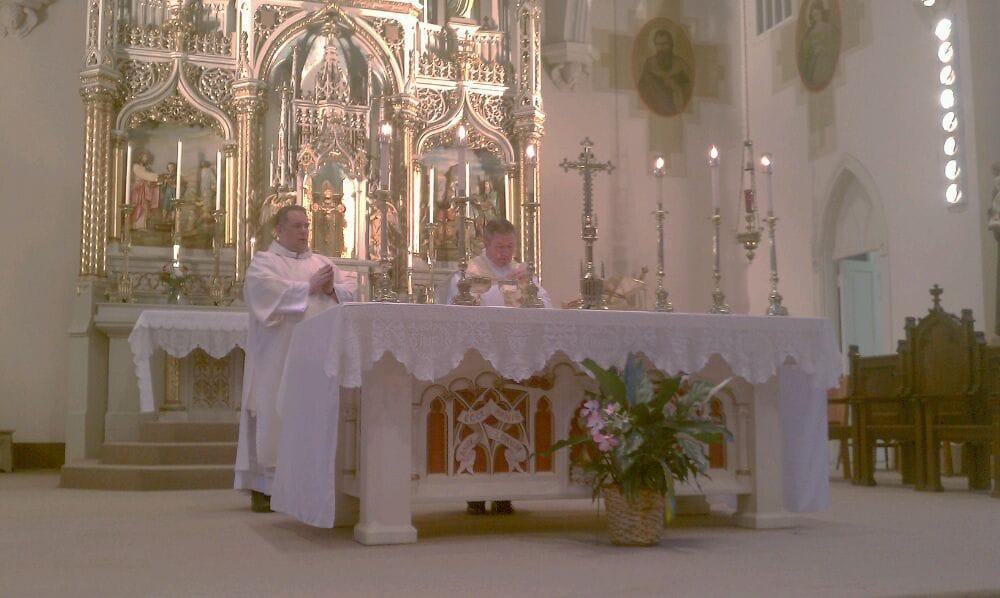 Divine Mercy Parish: 318 Division St, Bellevue, KY