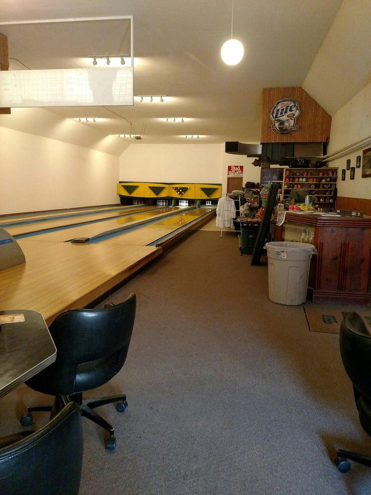 The Neighbors Lounge & Lanes: 100 N Main St, Cochrane, WI