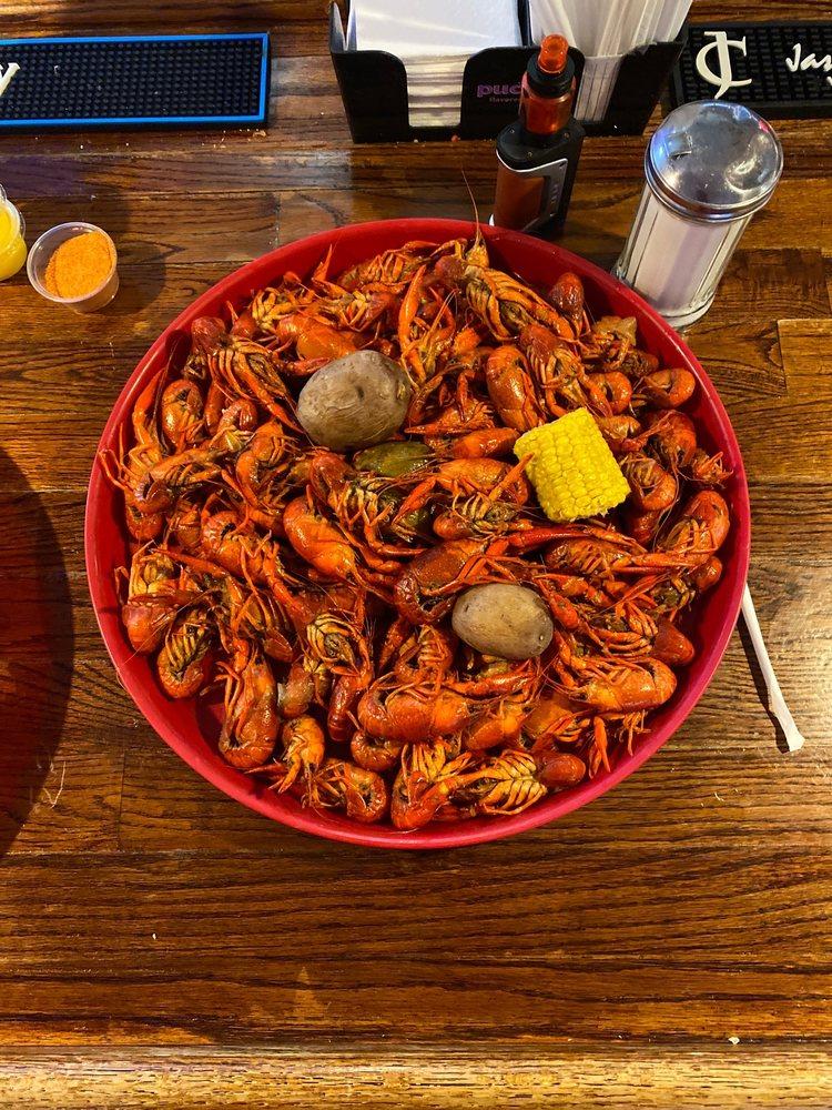 103 Restaurant & Lounge: 985 Highway 80 E, Calhoun, LA