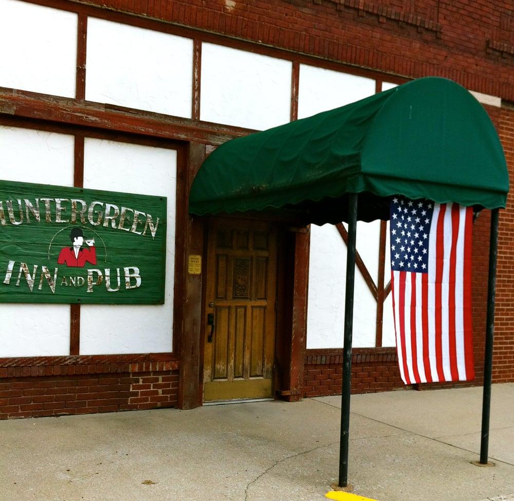 Huntergreen Inn & Pub: 319 W Broad St, Raymond, IL