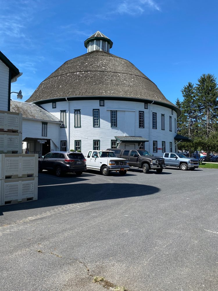 Round Barn Farm Market: 298 Cashtown Rd, Biglerville, PA