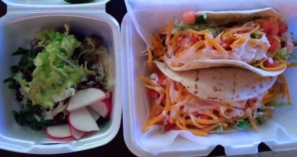 Betty's Tacos: 13261 State Hwy 20, Clearlake Oaks, CA