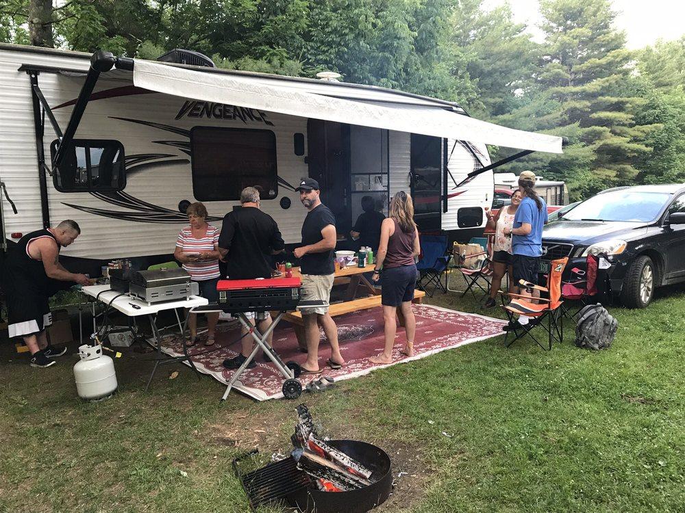 Sugar Ridge RV Village & Campground: 24 Old Stagecoach Rd, Danville, VT