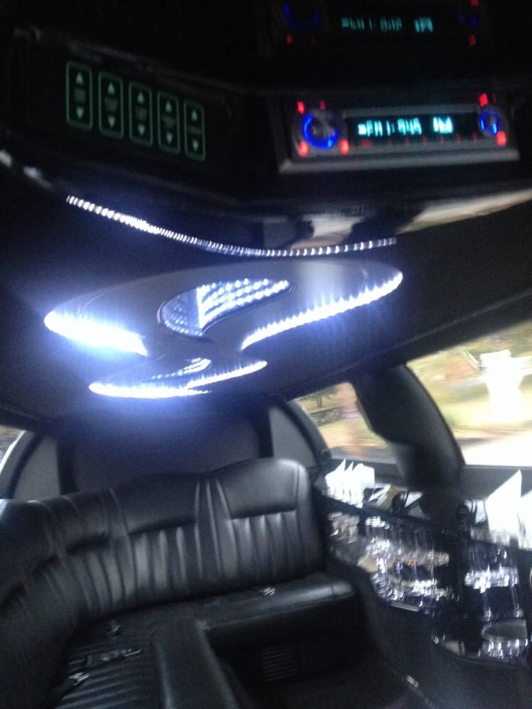 Ruben's Transportation: 238 Charlton St, Southbridge, MA