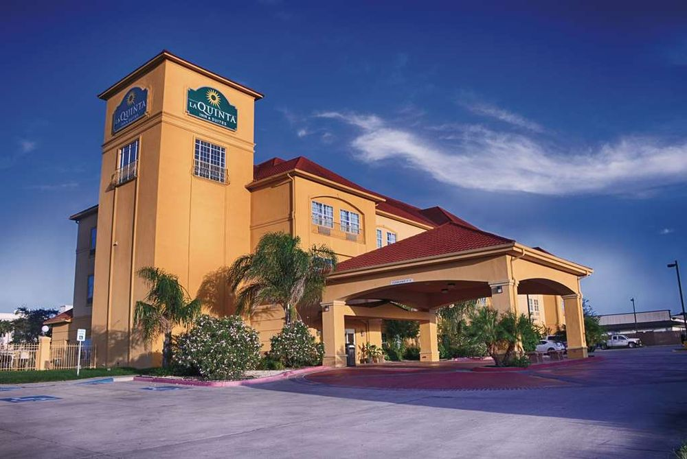 La Quinta by Wyndham Alice: 2400 East Main St, Alice, TX