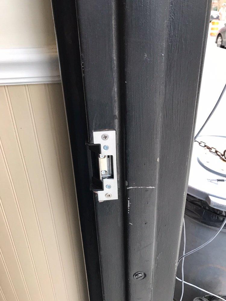 Fresh installation door strike, to buzz people in from
