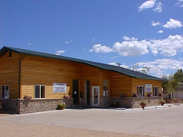 Town & Country Realty: 403 S 1st St, Saratoga, WY