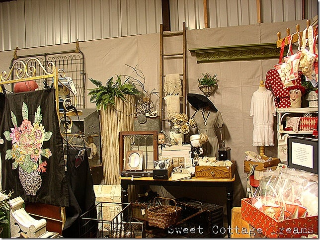Magpie Antiques & All Things Inspired: 140 S Walnut Ave, Ripon, CA