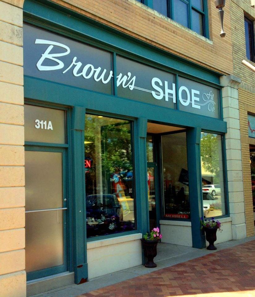 Brown S Shoe Manhattan Ks