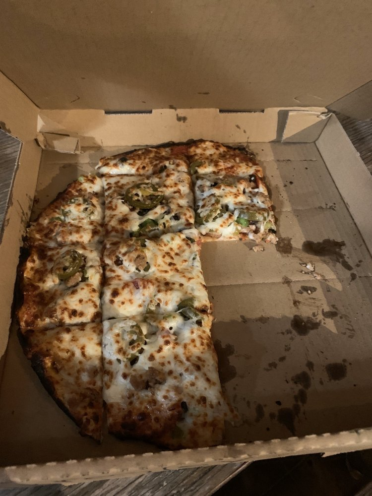Tommy's Mesquite Flamed Pizza: 312 Bessemer, Llano, TX