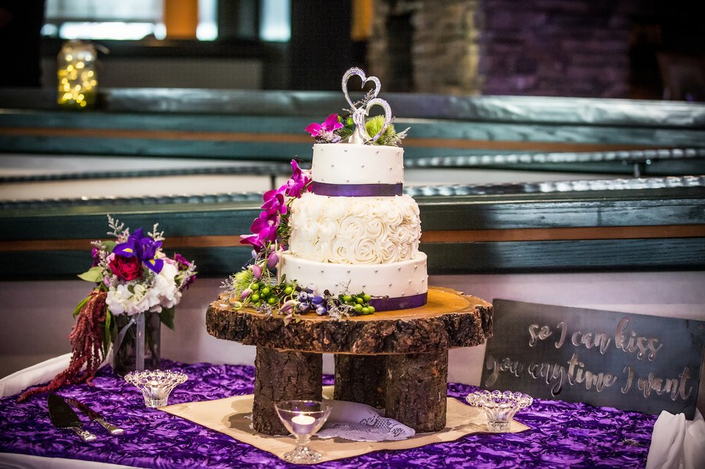 Cakes By Grace: 152-B US Hwy 50, Stateline, NV