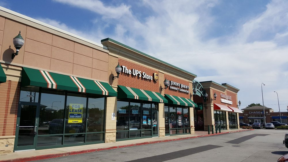The UPS Store: 9449 S Kedzie Ave, Evergreen Park, IL