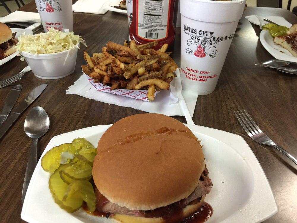 Bates City BBQ: 201 E Market St, Bates City, MO