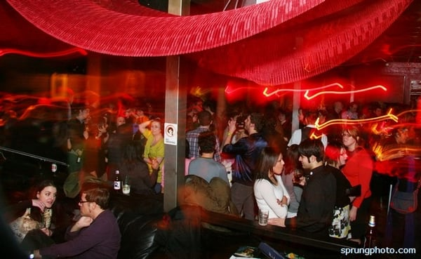 late night hookup bars chicago