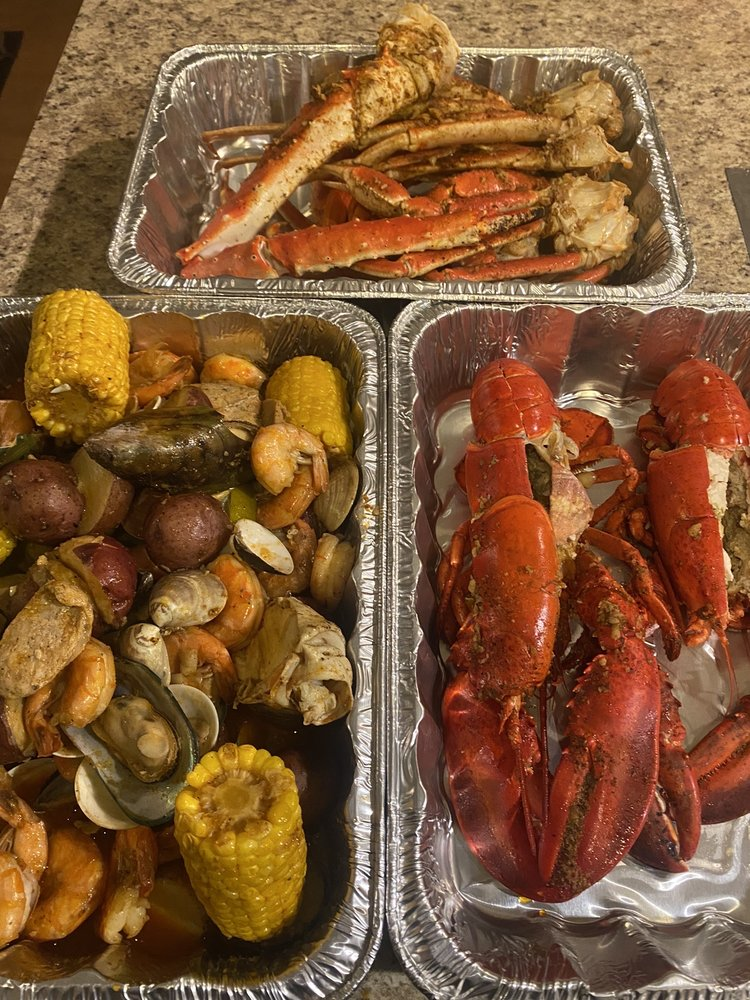 Crazy Seafood Cajun Seafood And Bar: 847 Riverdale St, West Springfield, MA
