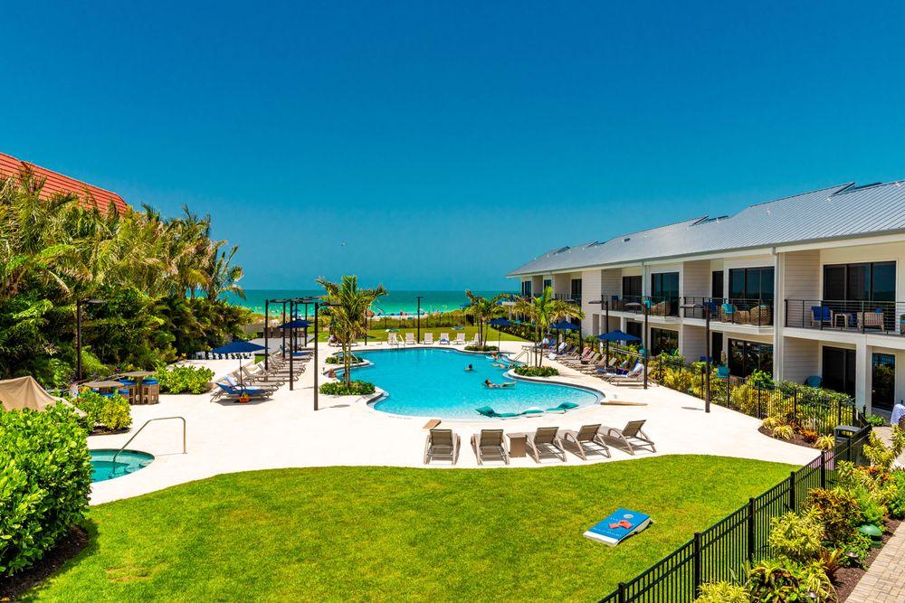 Anna Maria Beach Resort: 6306 Gulf Dr, Holmes Beach, FL