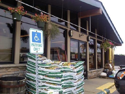 Landmark Lawn Garden Supply Planteskoler Og Havearbejde 12701 Prospect Rd Strongsville