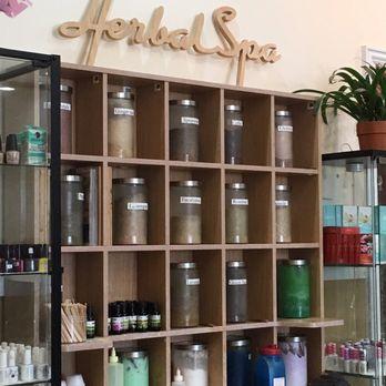 Spring Herbal Nail And Spa