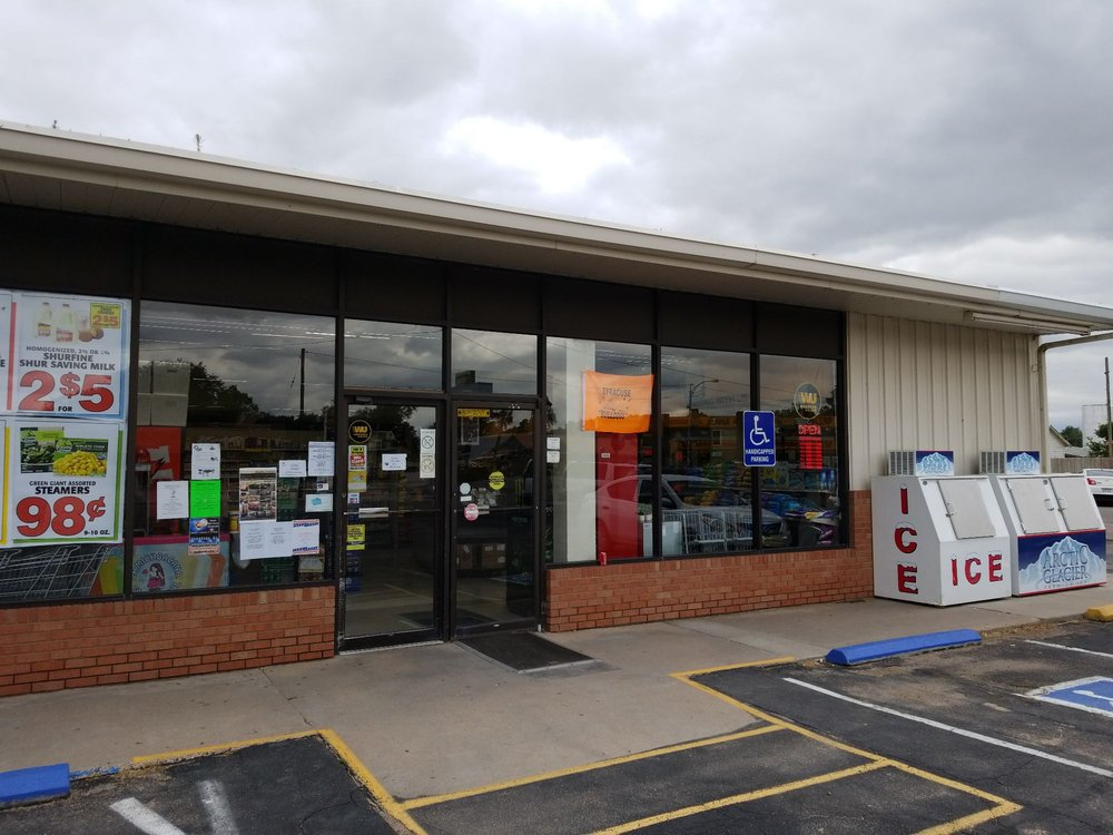 Syracuse Food Center: 301 E Highway 50, Syracuse, KS