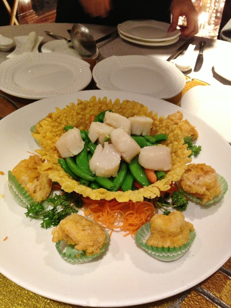 Saut ed scallops and deep fried prawns with salted egg for Andys chinese cuisine