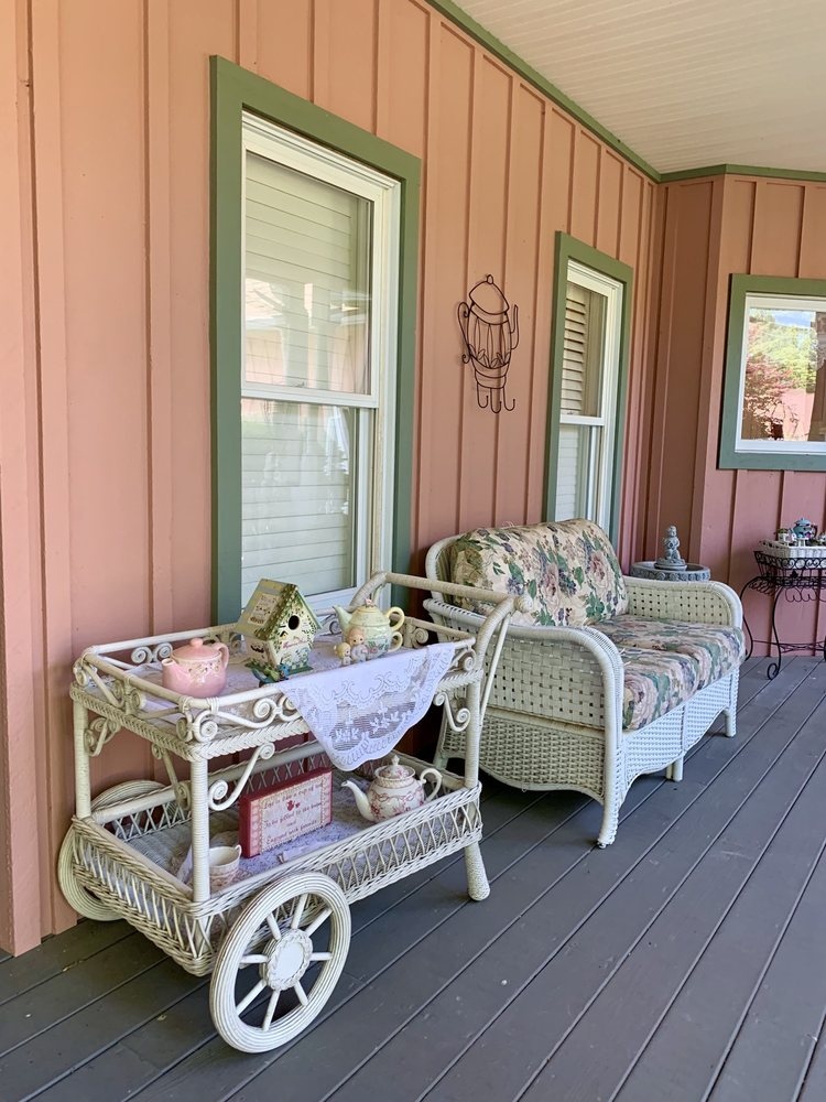 Remember When Tea Room: 370 Old Stage Rd, Waynesville, OH