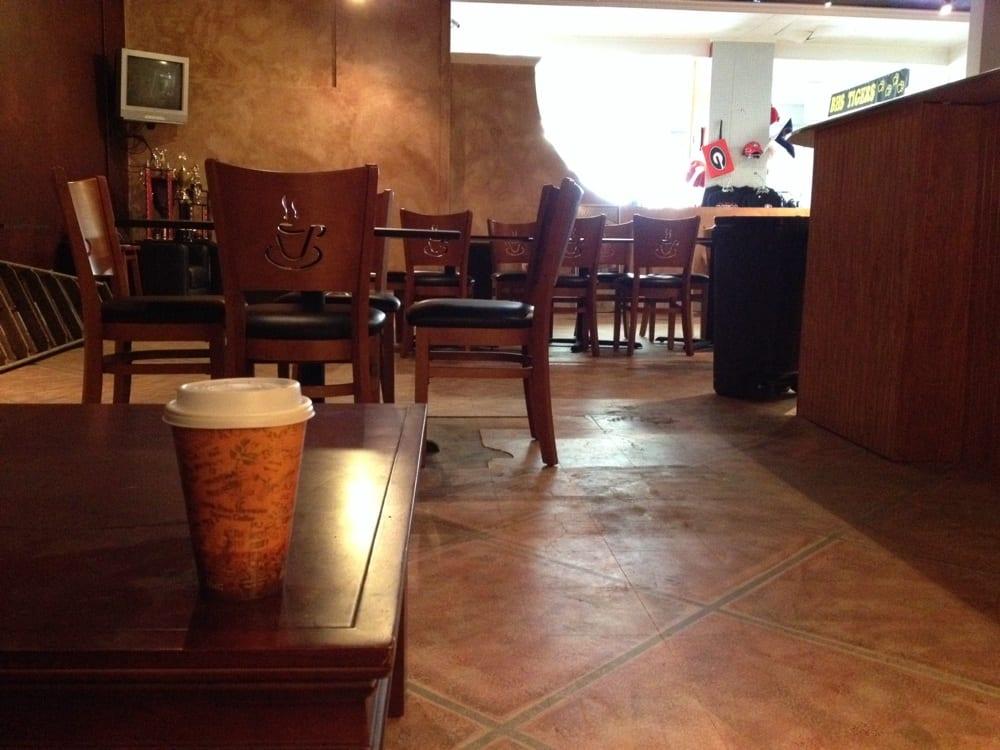 J.T's Java Cafe: Main St, Blackshear, GA