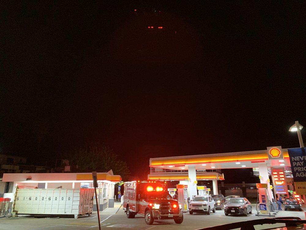 Santa Monica Shell