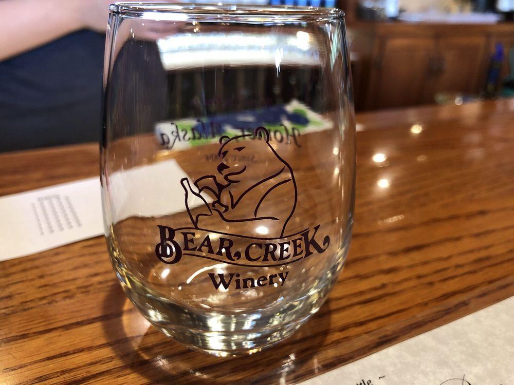 Bear Creek Winery & Lodging: 60203 Bear Creek Dr, Homer, AK