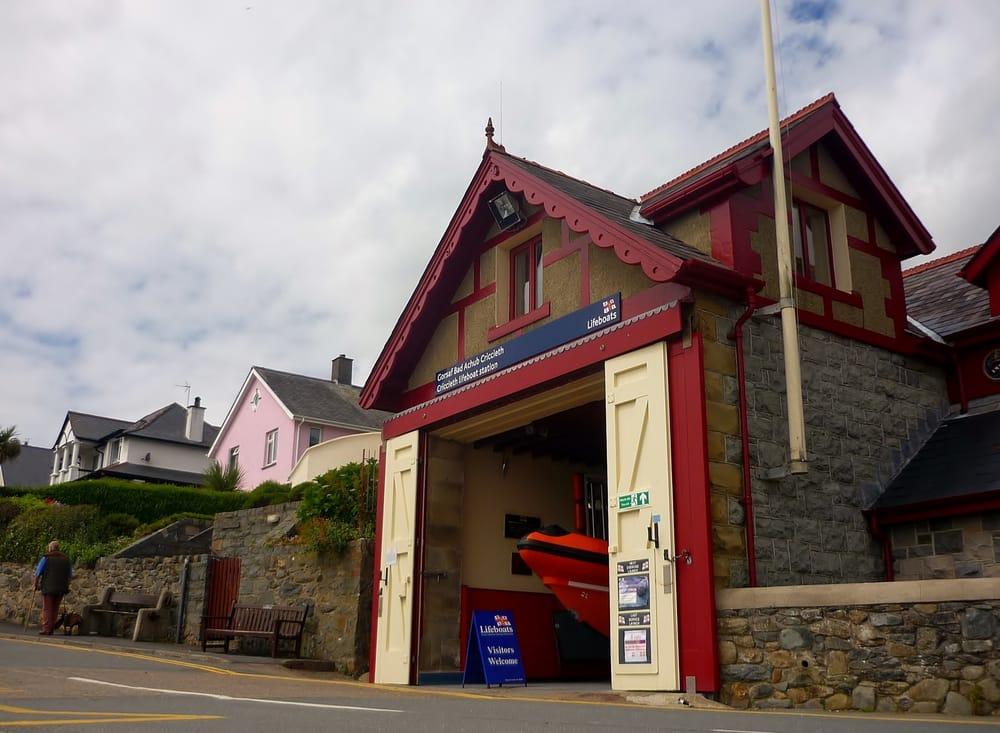 Lifeboats-Royal National Lifeboat Institution | Lon Felin, Criccieth LL52 0DN | +44 1766 523183