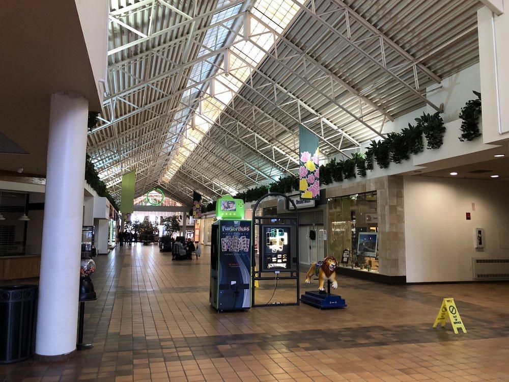 Southbridge Mall: 100 S Federal Ave, Mason City, IA