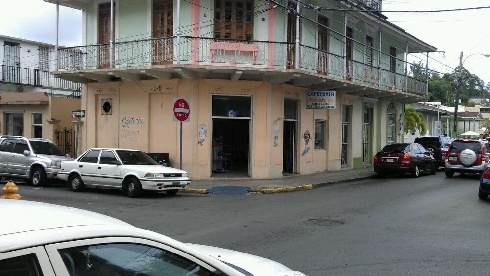 Cafetería Miriam 2: Cll Rodulfo Gonzalez, Adjuntas, PR