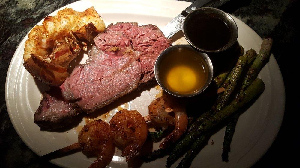 John & Nick's Steak & Prime Rib: 15970 Hickman Rd, Clive, IA