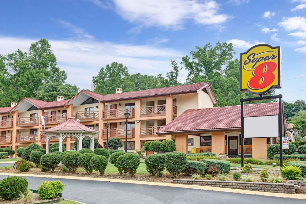 Hotels Near Downtown Gatlinburg