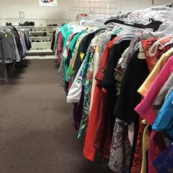 the salvation army family store donation center 31 photos 44 reviews thrift stores. Black Bedroom Furniture Sets. Home Design Ideas