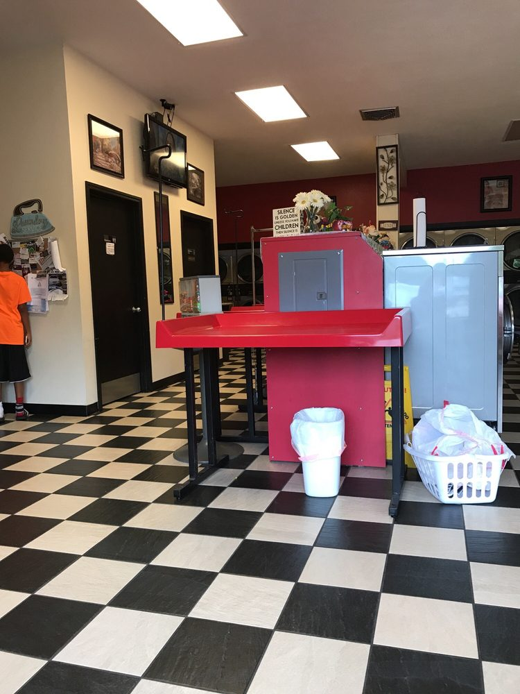Michigan Coin Laundry: 3109 W Michigan Ave, Pensacola, FL
