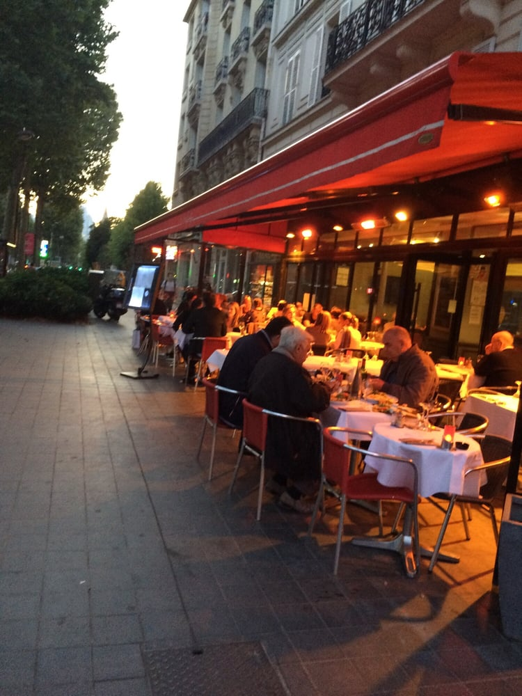 Le marly brasseries 54 avenue du roule neuilly sur for Restaurant le jardin neuilly