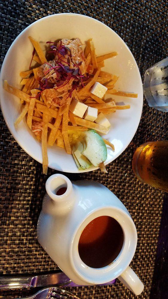 Don Chente Bar & Grill: 8538 Whittier Blvd, Pico Rivera, CA