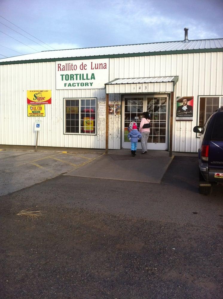 Rallito De Luna Tortilla Factory: 103 S Portage Ave, Mattawa, WA
