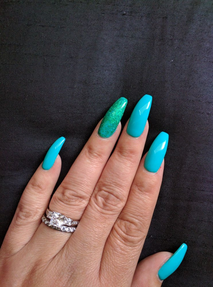 I LOVE my nails! This is a new full set of Acrylic nails. The shape ...