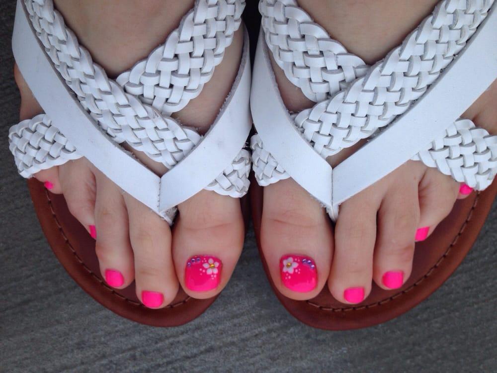 Shiny Nails - 12 Photos & 29 Reviews - Nail Salons - 14248 Plymouth ...
