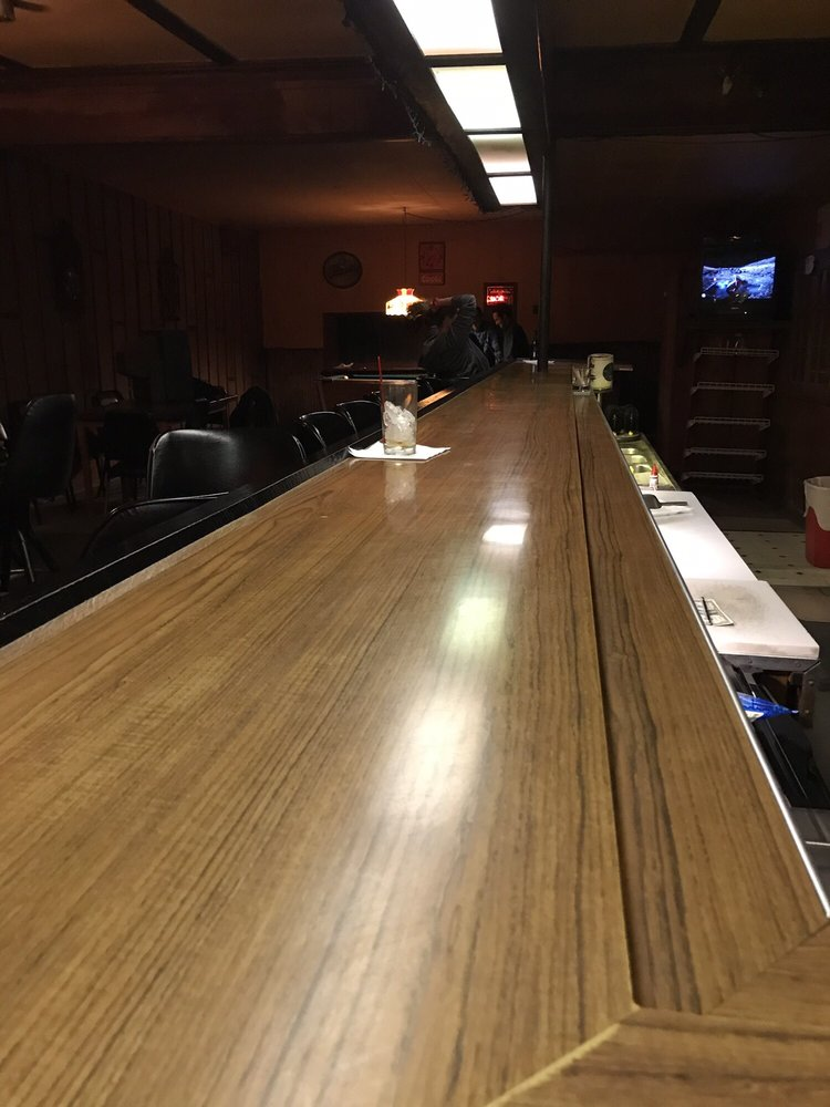 Don's Bar: 1041 N US Hwy 31, Petoskey, MI