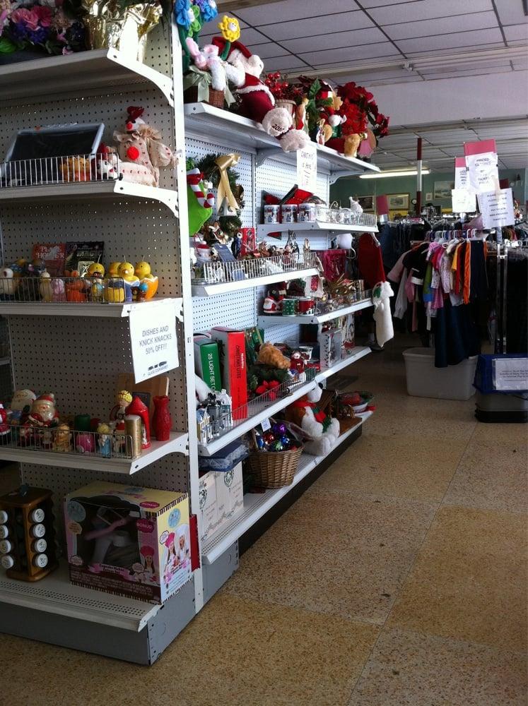 Molly Mutt III Thrift Shop: 876 US Hwy 1, Rockledge, FL