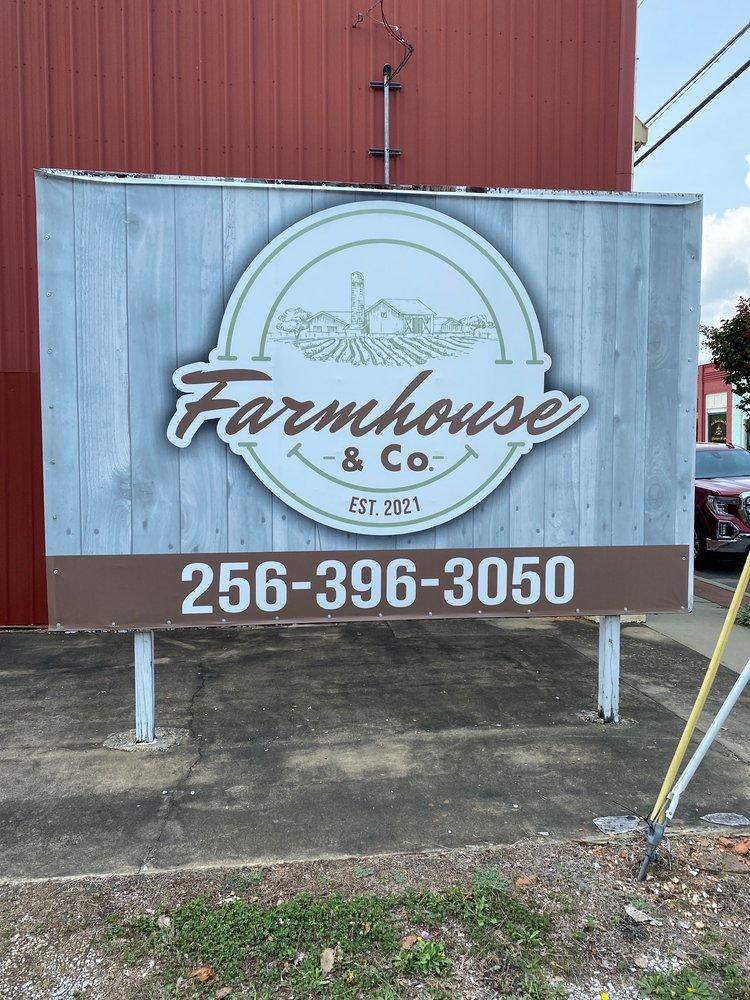 Farmhouse: 88862 AL-9, Lineville, AL