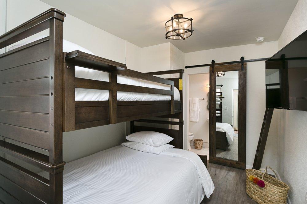 Hotel Cabana Clearwater Beach: 669 Mandalay Ave, Clearwater Beach, FL