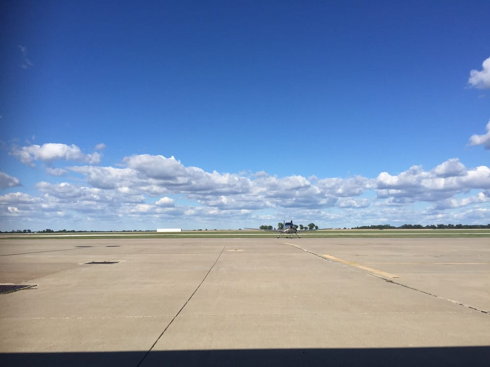 Great River Aviation: 1647 Highway 104, Quincy, IL