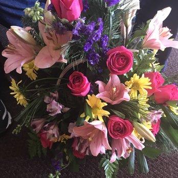 Photo of Tehachapi Flower Shop - Tehachapi, CA, United States