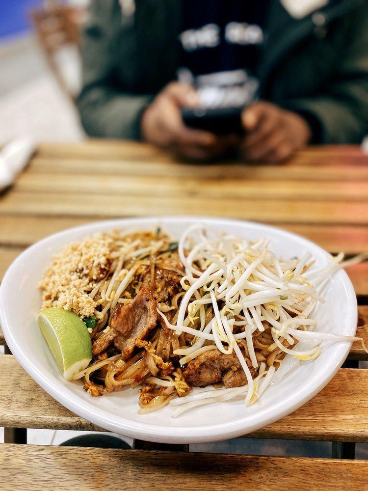 Kao Sarn Thai Street Food: 6795 Wilson Blvd, Falls Church, VA